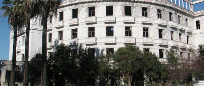 Abkhazia - Sukhumi / Soxumi: former Hotel Abkhazia (photo by A.Kilroy)