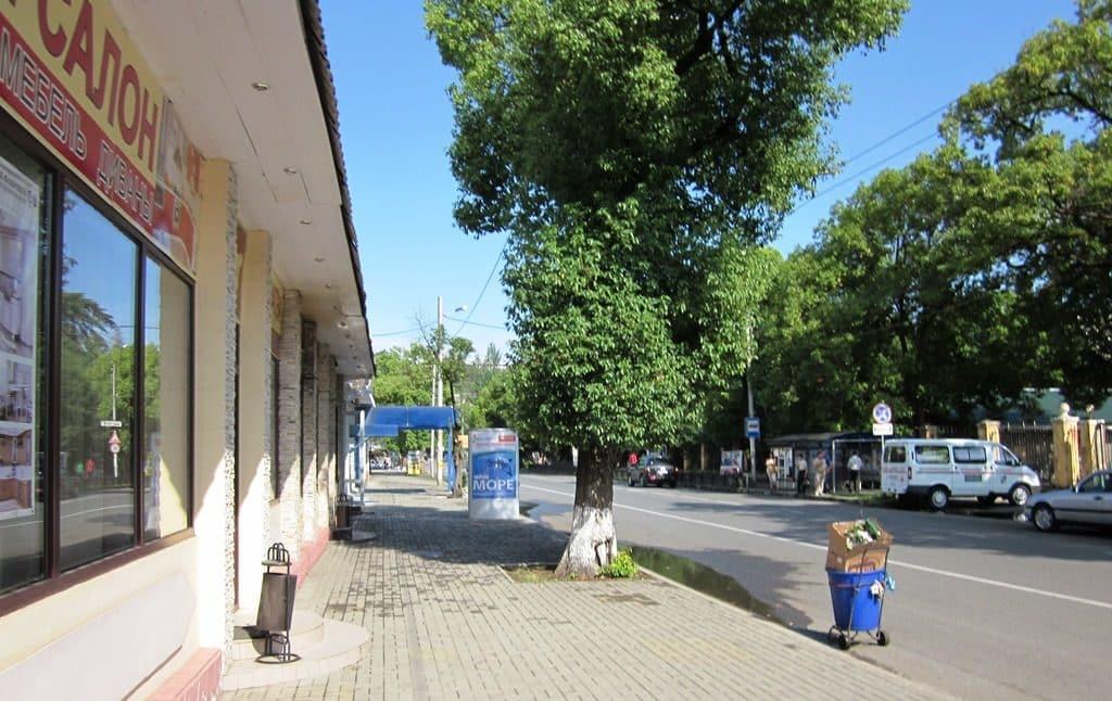 Улица Акиртава по пути к санаторию МВО