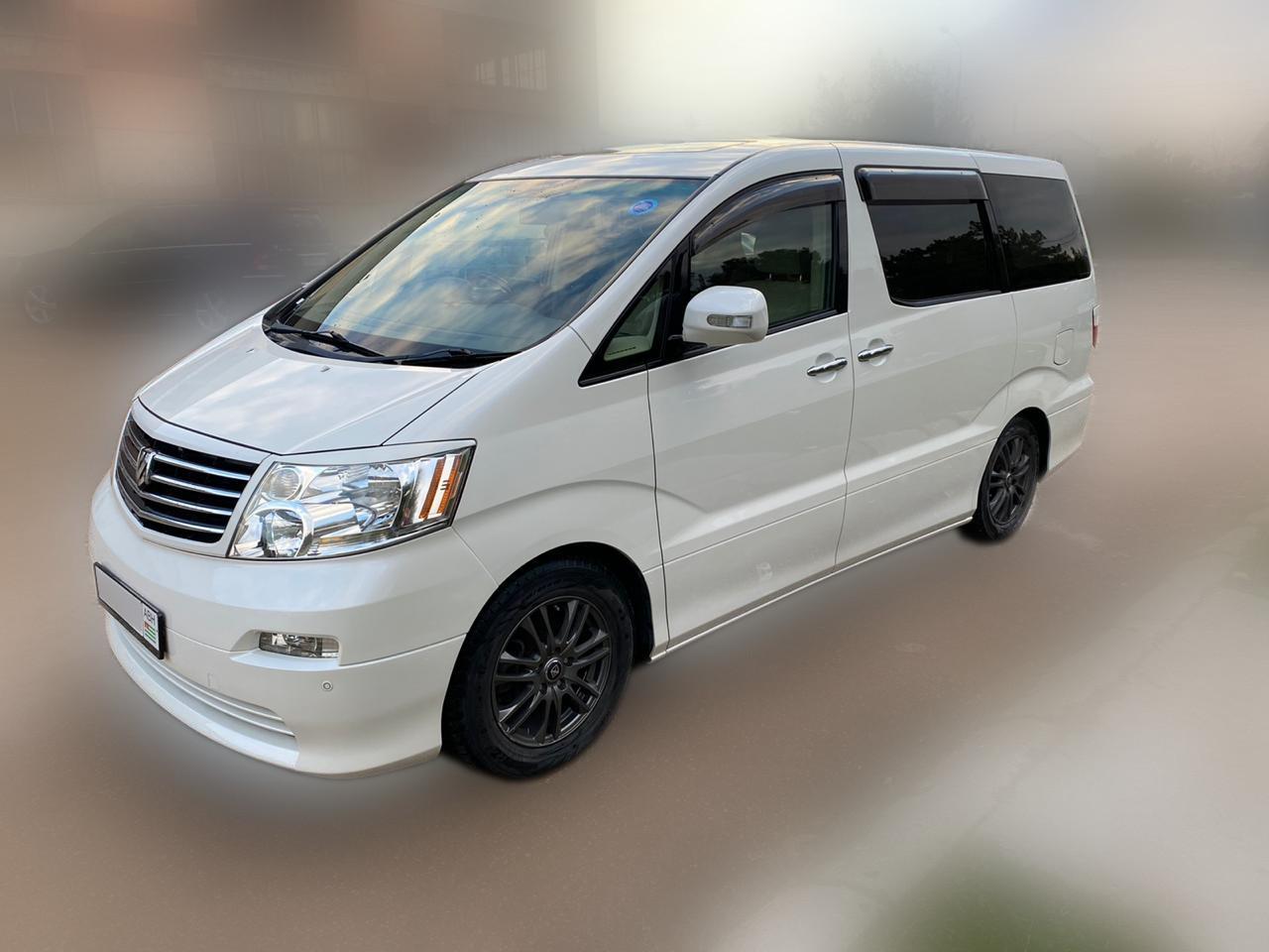 Toyota Alphard самый популярный минивен на абхазском учете